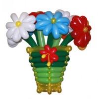 vaza-raznocvetnyh-romashek